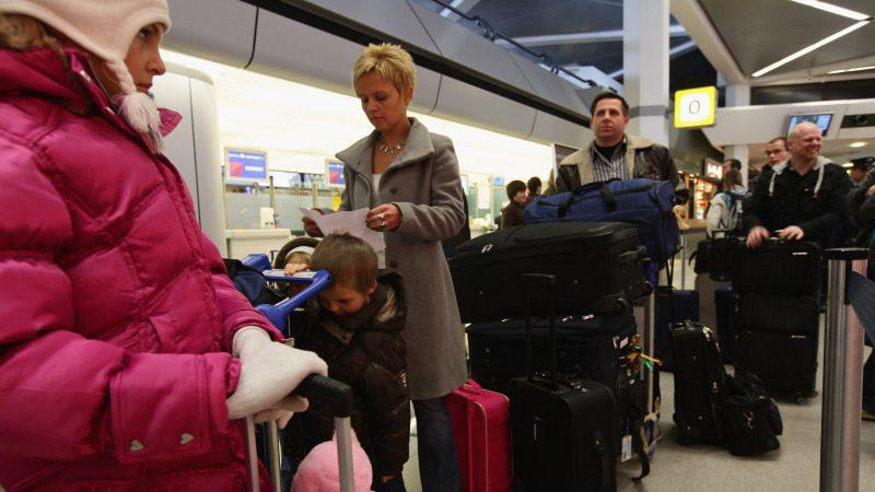 组图:德国柏林机场 加强安检措施
