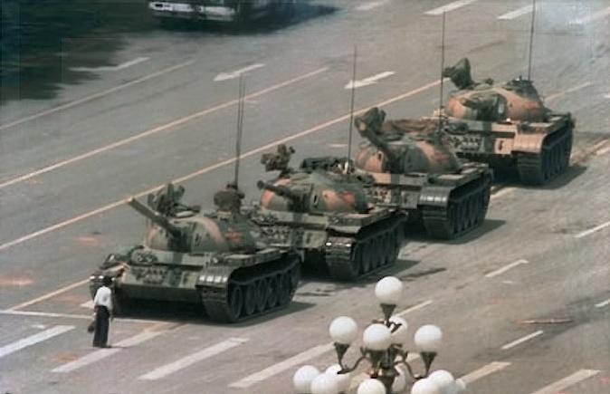 中文字幕美国记录片 8964和坦克人(视频)