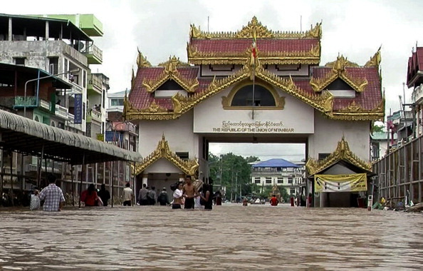 緬甸東部暴洪 萬人住進避難所