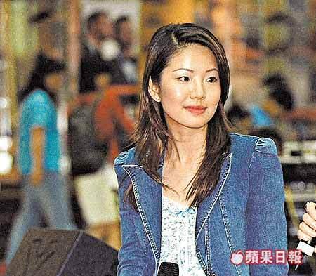 """被江泽民""""捧红""""的香港女记者锐气不减当年"""