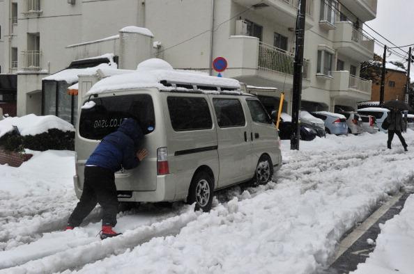 日本雪災 航班停飛 6死千傷