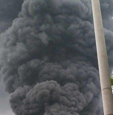 网传山东临沭发生大爆炸 救火车竟没有水