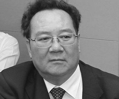 滇省第一医院院长收房产百套涉案过亿 曾遭国际追查