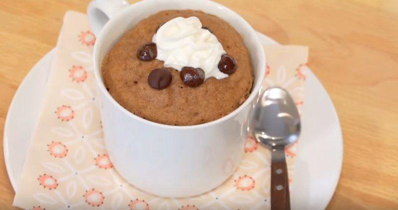 【美食天堂】史上最簡單的巧克力杯子蛋糕 | 1分鐘超快速甜點 |
