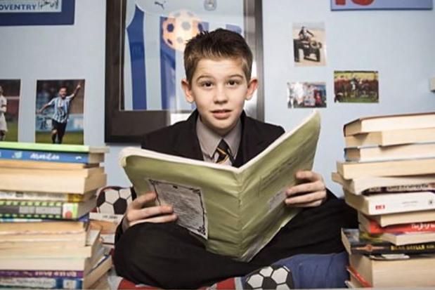 比爱因斯坦还聪明!英11岁天才童IQ高达162