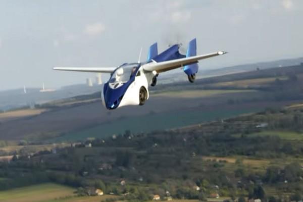 比超跑还酷炫 飞行车下半年开始飞上天