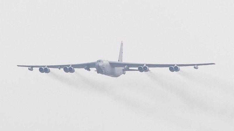美轰炸机飞波罗的海 俄派战斗机拦截