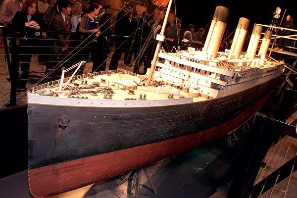 鐵達尼號唯一存活副船長,隱忍半生,終於公開不為人知的沉船故事