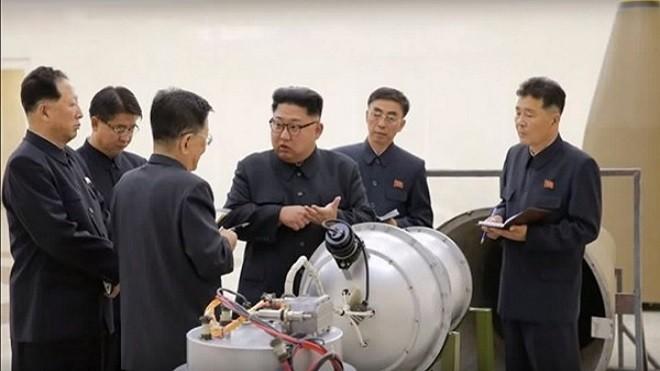 """金正恩检视氢弹称""""国造"""" 美日领袖通话续施压朝鲜"""