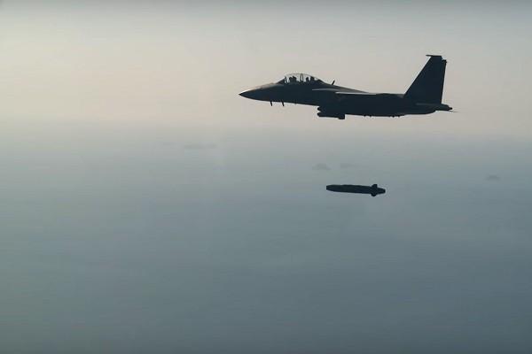 """可瞄准金正恩办公室窗户 韩军实测""""金牛座""""飞弹(视频)"""