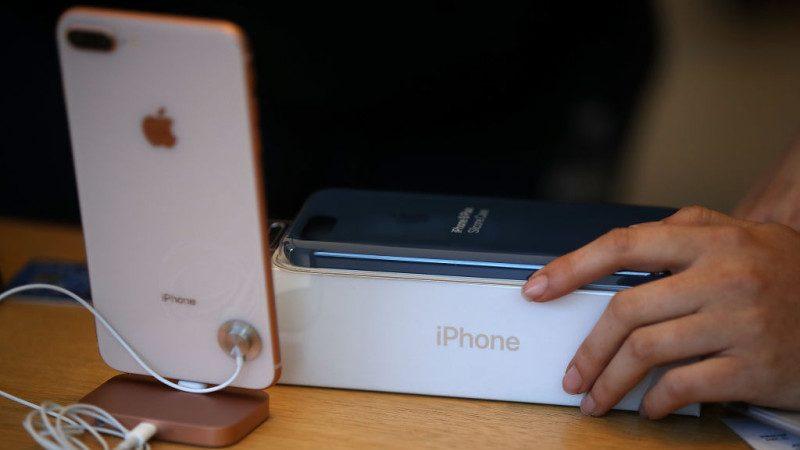 iPhone 8全台首爆 螢幕與機體分離 通訊行送原廠鑑定
