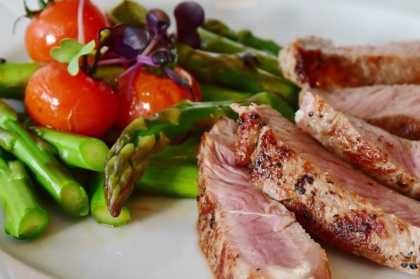 單一吃牛肉會吃出病來 營養師教你7招補充