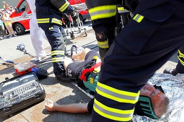 巴士與卡車迎面撞 保加利亞視障者9死19傷