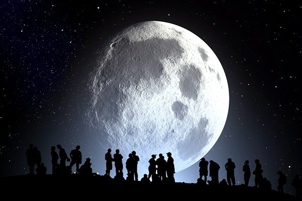 月亮由七種珍寶合成?老和尚透露月亮的「身世」