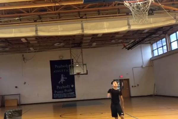 華裔獨臂棄嬰 成美高中籃球新星 單場飆出8個3分球