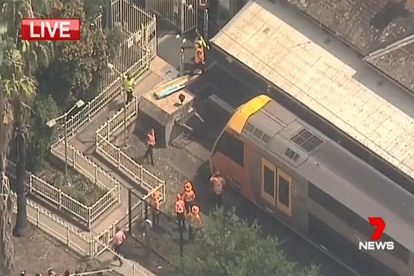 澳洲火車全速撞月台尾 目擊者:乘客像超人 被拋飛