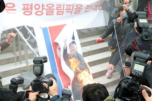 朝鮮前間諜警告:金正恩參奧有「黑暗動機」