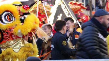 巴黎华人新年大游行 各族民众欢迎