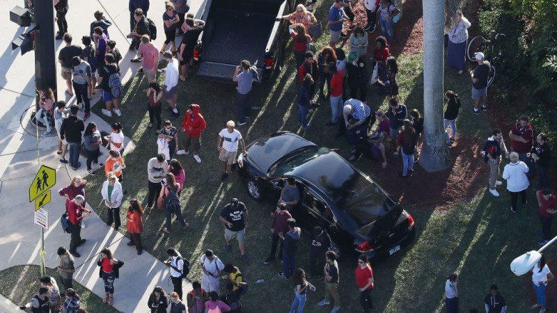 佛州高中枪击案17死50伤 凶嫌系除名学生