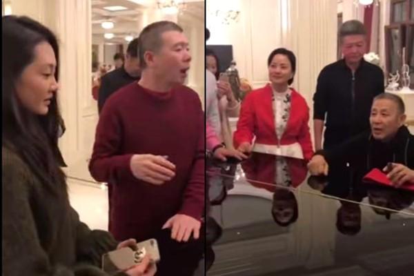 冯小刚新年派对 陈道明弹琴苗苗伴舞还原《芳华》(视频)