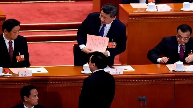 修憲高票通過:習近平長任國家主席 2票反對