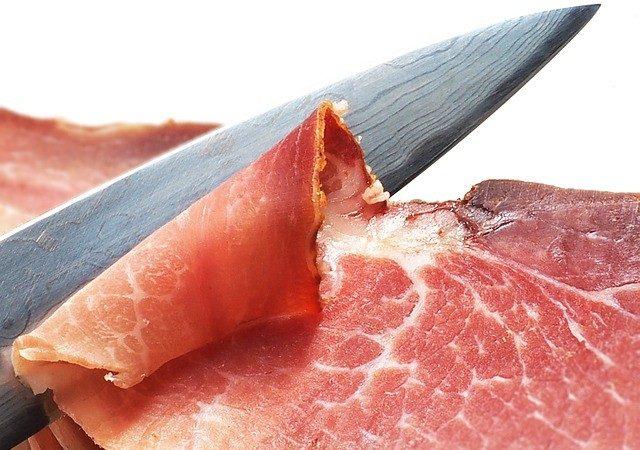 """大陆毒食品""""享誉""""全球 食品商广告:我们不用中国猪肉"""