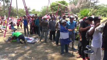 非法移民大篷車挺進 川普促國會立嚴法