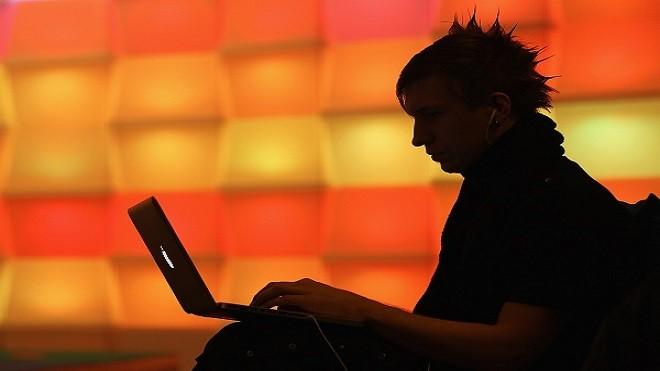 美英警告:俄骇客入侵各国网路 疑发动网攻准备