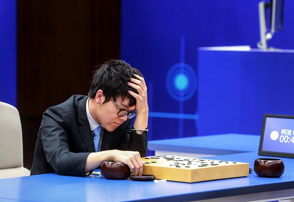 柯潔再戰國產AI 中盤認輸 令棋迷們大失所望