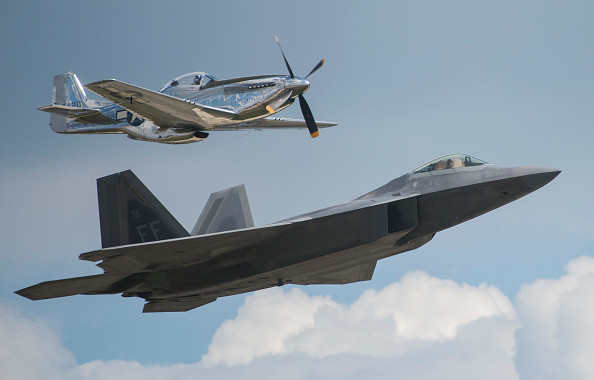 """威慑升级 美韩""""超级雷霆""""军演启动 8架F-22"""