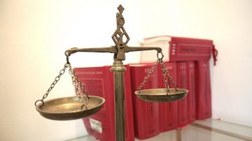 【财富之门】在美国 您必须知道的法律问题