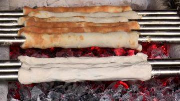"""藏身港边的传统美食 手工炭烤""""吉古拉"""""""