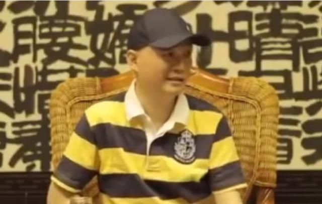 卯上了?崔永元怼华谊:老板天天喝大了胡说