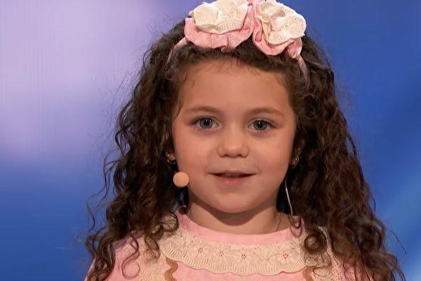 5歲萌娃上《美國達人秀》 融化觀眾的心