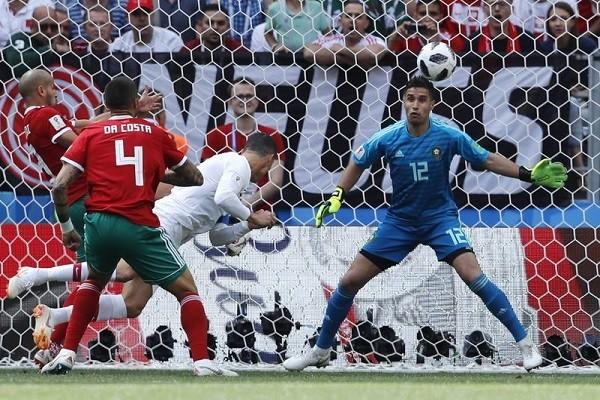 C罗第4分钟一记头槌 葡萄牙1比0击败摩洛哥(视频)