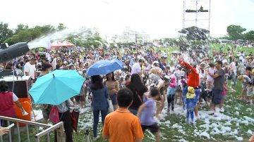 东石海之夏祭 迎夏戏水‧玩泡泡消暑气