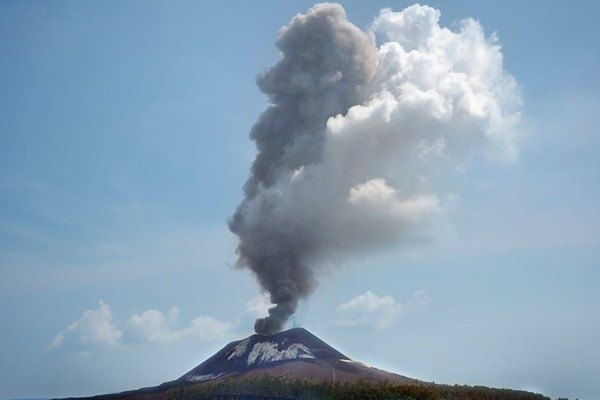 印尼火山1天噴發56次 克拉卡托方圓一公里列禁區