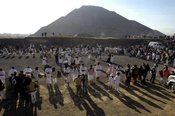 墨西哥金字塔因地震受损 考古家意外发现新神庙