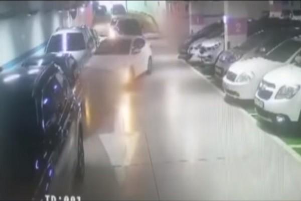 把媽媽嚇出一身冷汗!韓9歲童開車上路 連撞10輛車才回家