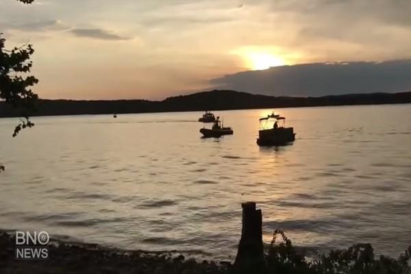 強陣風掀巨浪 美密州「鴨子船」翻覆至少11死
