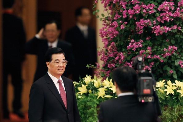 胡锦涛下令抓捕海军副司令 对方当即掏枪子弹上膛