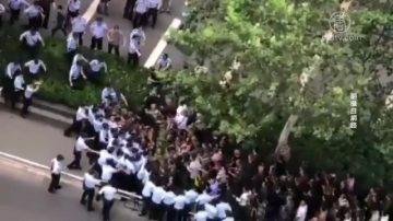 【禁聞】四川上訪老兵遭堵截 大批老兵圍北京