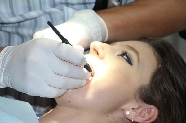 古老的拔牙秘方 不痛不出血1分钟搞定
