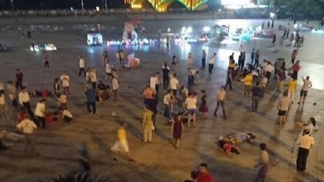 湘男疑報復社會 闖車進廣場亂撞 至少55死傷