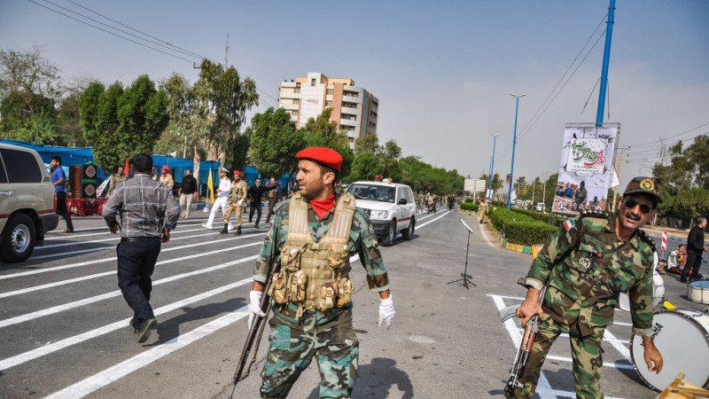 伊朗阅兵爆发攻撃 枪手扫射至少10死21伤