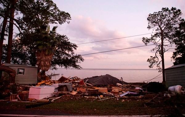 颶風肆虐 可能帶來有毒「紅潮」