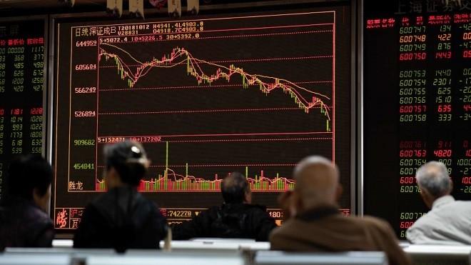 大陸股市狂跌 股民求美國使館「救災」