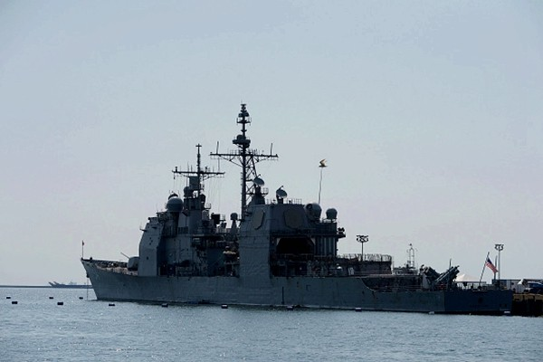 2艘美舰穿越台海 释放信号不一般