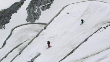 新聞放輕鬆:滑雪健將阿爾卑斯展身手 高山俯衝555米