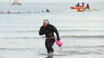 1780英里環泳大不列顛 冒險家破世界紀錄
